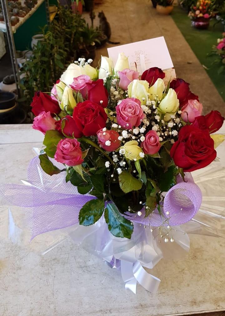 soeur qui portait des fleurs la